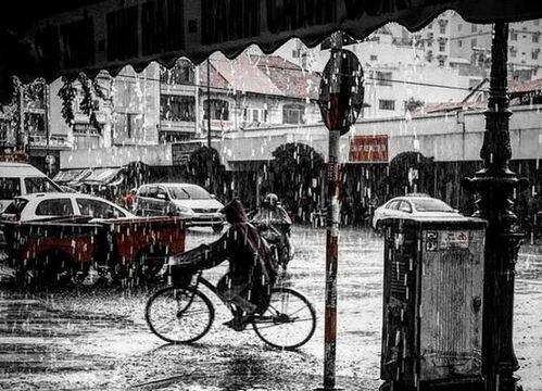 Sài Gòn làm sao tránh được những cơn mưa!
